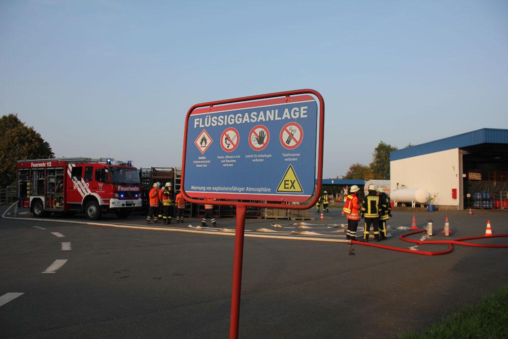 Die Unternehmensgruppe Hoyer ist Schauplatz für Großübung der Feuerwehren