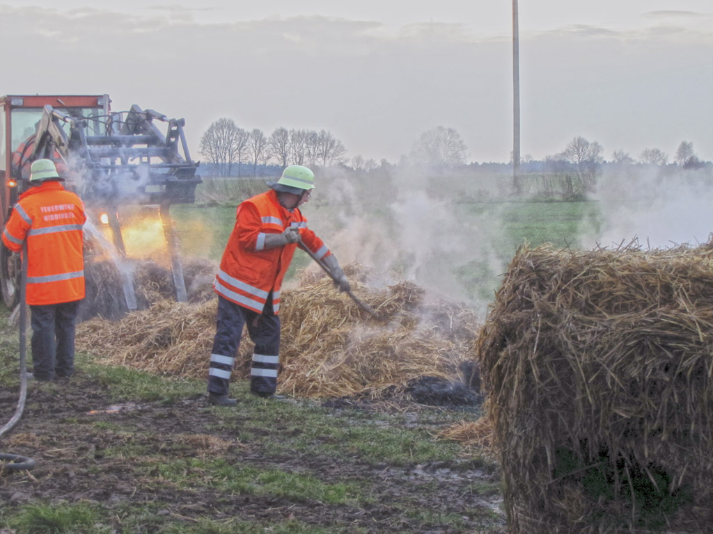 Strohballenbrand in Hiddingen