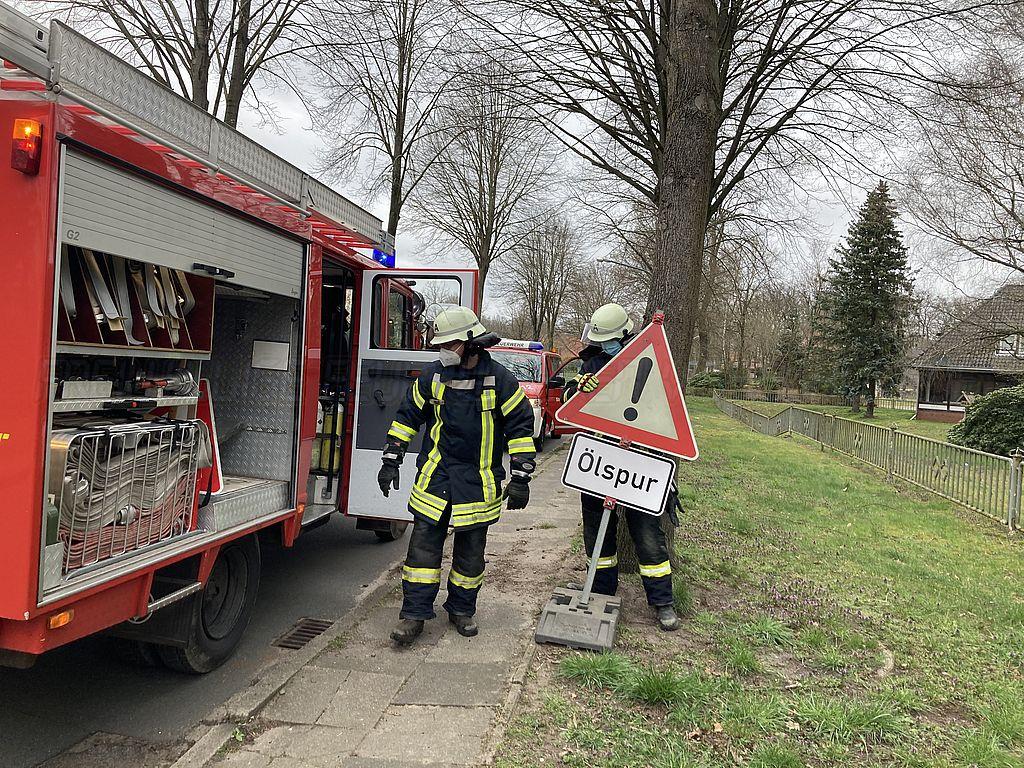 Ölspur ruft Jeddinger Feuerwehr auf den Plan