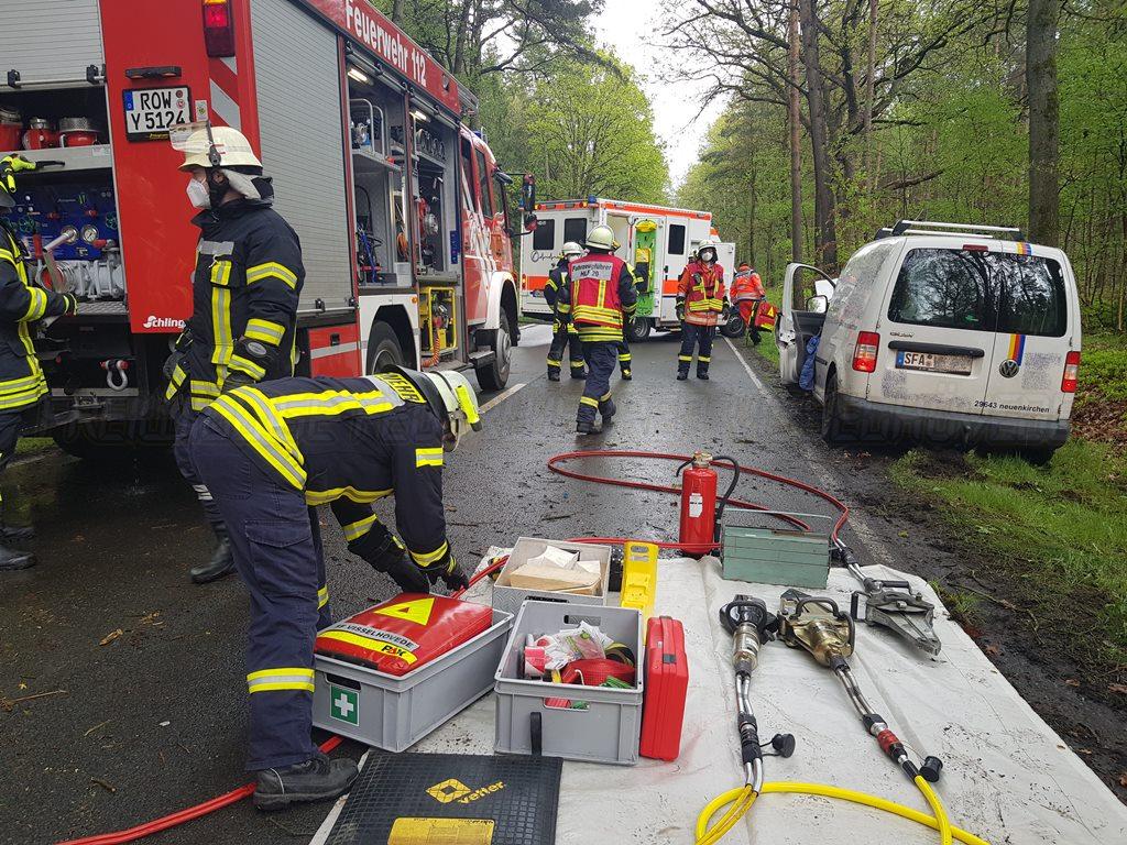 Read more about the article Verkehrsunfall auf der L171 mit eingeklemmter Person