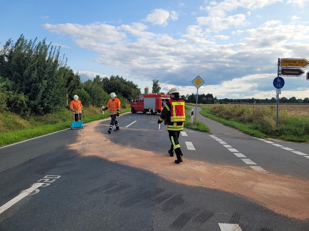 Read more about the article Auslaufende Betriebsstoffe auf der Fahrbahn